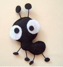 Cute Ant- Could be adapted as a school art project with black and white construction paper. Cute Ant- Could be adapted as a school art project with black and white construction paper. Felt Diy, Felt Crafts, Fabric Crafts, Paper Crafts, School Art Projects, Projects To Try, White Construction Paper, Felt Decorations, Felt Patterns