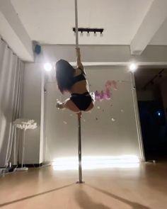 Pole Fitness Moves, Pole Dance Moves, Pole Dancing Fitness, Dance Tips, Dance Lessons, Dance Choreography, Best Ab Workout, Gym Workout Tips, Video Pole Dance