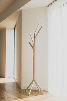 Handmade Home Decor Wood Rack, Handmade Home Decor, Hanger Stand, Cnc Furniture Plans, Inexpensive Furniture, Hanger Design, Coat Hanger Stand, Minimalist Furniture Design, Furniture Stores Nyc