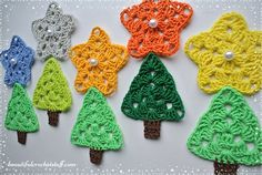 These adorable granny stars can help you to add sparkles to your holiday. You can use this pattern for making garlands, snowflakes, doilies, tablecloth or mix it with Crochet Christmas Tree ...