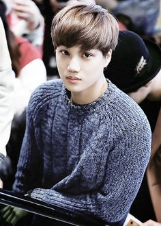 Kai... Can u just stop being a model for one sec? But rep u look so cozy I wanna cuddle with u ^^
