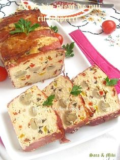 Andive umplute si rulate in bacon Baby Food Recipes, Diet Recipes, Romanian Food, Home Food, Creative Food, Carne, Catering, Brunch, Appetizers