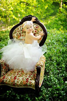 Don't care too much for the purchase of le tutu, but the pose and setting are just amazing      Baby tutu Birthday girl tutu full wedding by BambaroosBoutique, $95.00