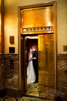old st. mary's | pfister wedding | downtown milwaukee wedding
