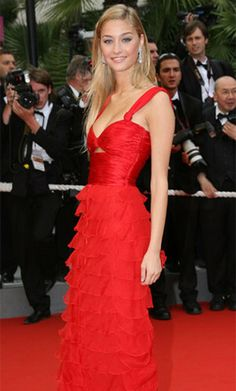 Beatrice Borromeo, Movie Stars, Beauty Hacks, Lifestyle, Formal Dresses, Fashion Trends, Beauty Tips, Diary Book, Dresses For Formal