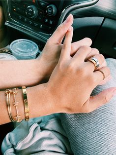 sophia_mirovski ✰ Cute Jewelry, Hair Jewelry, Jewelry Accessories, Fashion Accessories, Fashion Jewelry, Women Jewelry, Cartier Love Ring, Cartier Bracelet, Cartier Rings