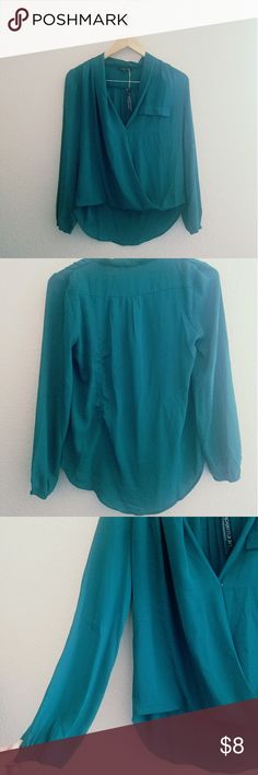 Blouse NWT Teal / dark forest green. Flowy material. NWT Tops Blouses