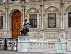 Hotel de Ville Muse, Paris by Rita Crane Photography, via Flickr