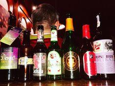 Verkostungsreihe #Innviertler #bierologen #stammtisch #drinkbeersavewater #bierstattwasser #aufzumzuser #daraufeinbier #woraufwartestdunoch Red Wine, Alcoholic Drinks, Bottle, Glass, Instagram, Pictures, Beer, Drinkware, Flask