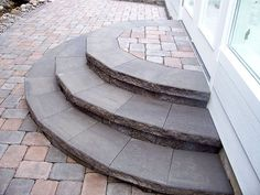 paver patio steps for back porch? Back Patio, Backyard Patio, Backyard Landscaping, Landscaping Ideas, Front Door Steps, Porch Steps, Deck Steps, Front Walkway, Patio Plan