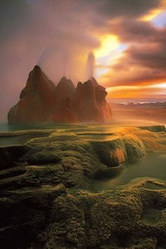 #Green #Fly_Geyser, #Nevada, #USA http://en.directrooms.com/hotels/country/10-166/