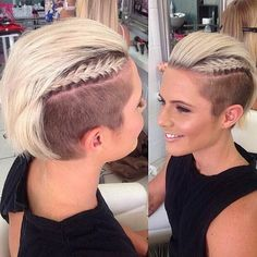 Awesome Undercut Hairstyles 2016 for Girls. One trendiest look for this season is the cool undercut hair and are you ready to embrace the new trend? Short Hair Undercut, Short Hair Cuts, Short Hair Styles, Undercut Women, Short Mohawk, Female Undercut, Undercut Braid, Mohawk Styles, Short Pixie