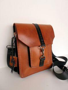 aa1a670a9d Sac à main Petit sac à bandoulière Petit sac en cuir Ce sac inhabituel en  cuir