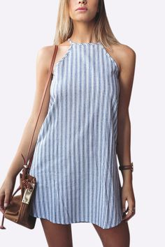 Bring attention to this casual & fashion style mini dress, stripe pattern dress can give you a fresh look. Besides, this piece also features sleeveless, halter design. Pair it with sandals is perfect.