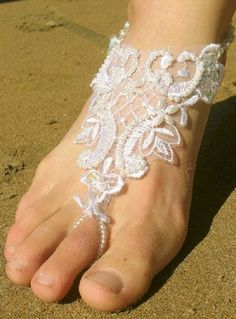 beach wedding shoes jewelry foot