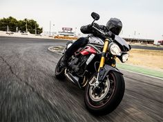 ENEMOTOS: Triumph revela no Salão de Milão Speed Triple 2016...