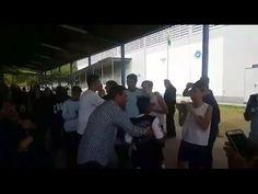 RS Notícias: Jair Bolsonaro recebido e tietado por estudantes n...