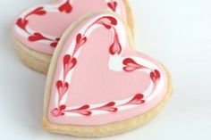 Valentine Cookies Sweet heart cookies for Valentine's day or any day! Video how to on sugar cookies decorated with royal icing. Cookies Cupcake, Cupcakes, Heart Cookies, Iced Cookies, Royal Icing Cookies, Sugar Cookies, Cookie Favors, Baby Cookies, Flower Cookies