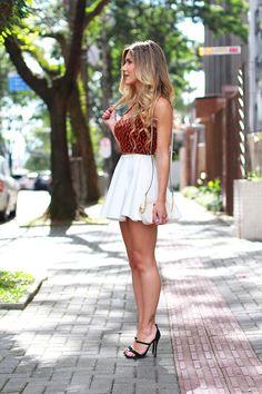Saia branca e cropped top look cute skirts, short skirts, cute dresses, sho Women's Dresses, Cute Dresses, Short Dresses, Short Skirts, Lovely Legs, Great Legs, Cute Skirts, Mini Skirts, Sexy Outfits