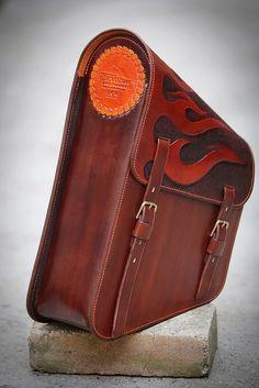 sidebag for the Spartan harley retro sidebag #leather #leathercraft #handmade #custommade #madeincroatia #silkfatbluesleather #silkfatblues #sidebag #bag #harley #nature