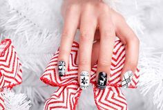 Amazing christmas nail art ideas. Make your nails beautiful with some snowflakes, stars or just simple red nail polish.