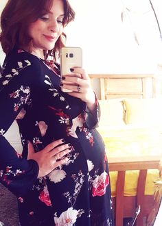 Pregnancy update - 27 weeks and counting...  http://www.poutinginheels.com/27-weeks-counting/  #pregnancy #bump #pregnancyupdate #27weekspregnant #pregnancyblogger #motherhood