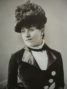 "Laure Hayman (1879) par Nadar - Exposition ""Le Grand Monde de Marcel Proust"", Musée Maxim's, Paris 
