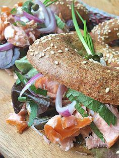 Low Carb Bagel ohne Kohlenhydrate selbst gemacht der Low Carb Party Snack und eine tolle Idee für ein Sandwich mit wenig Kohlenhydraten