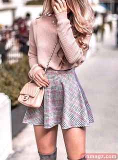 Womens casual outfits - Perfect Winter Outfit Ideas With Skirts Keep Warm – Womens casual outfits Date Outfits, Casual Outfits, Fashion Outfits, Simple Outfits, Fashion Ideas, Fashion 2018, Skirt Fashion, Work Outfits, Fashion Clothes