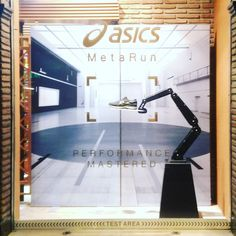 #visualmerchandising #asics #metarun #run www.dummyfactory.es