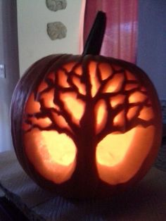 Tree pumpkin carving