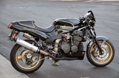 John Player Special Speed Quattro - RocketGarage - Cafe Racer Magazine Triumph Cafe Racer, Triumph Motorcycles, Cafe Racers, Street Fighter Motorcycle, Custom Street Bikes, Cafe Racer Magazine, Triumph Speed Triple, Cool Bikes, Cars