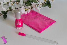 Showroom by Creative-Pink: Mit Farbe wird das Leben schöner - DIY - Eine eigene Nagellackfarbe ganz einfach selber zaubern! #diy #nagellack #nailpolish #kreativ #nails #creative #beauty #cometics