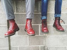 Martens vintage 1490 and Delaney boots. Red Doc Martens, Doc Martens Outfit, Dr Martens Boots, Skinhead Boots, Skinhead Fashion, Mens Fashion, Skinhead Style, Dm Boots, Shoe Boots