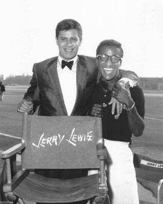 Jerry Lewis - Sammy Davis Jr - On the set of The Geisha Boy. Hollywood Actor, Golden Age Of Hollywood, Classic Hollywood, Old Hollywood, Jerry Lewis, Joey Bishop, Sammy Davis Jr, Old School Music, Funny People