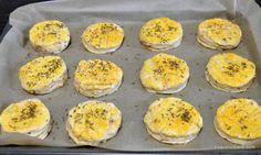 Pogăci cu jumări - rețeta ardelenească de pogăcele fragede   Savori Urbane Muffin, Urban, Breakfast, Food, Morning Coffee, Essen, Muffins, Meals, Cupcakes