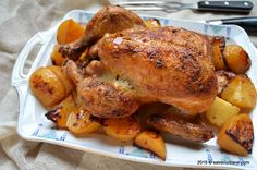 Pui fript la cuptor reteta simpla | Savori Urbane Carne, Chicken Recepies, Romanian Food, Turkey, Food And Drink, Meat, Dinner, Cooking, Recipes
