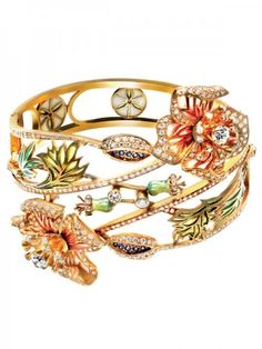 Pretty, pretty flower bracelet.