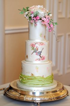 #Lovebirds #sugarflowers #paintedcake #cherryblossomcake #weddingcake