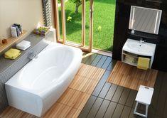 baignoire acrylique, carrelage imitation bois massif, parement en petits carreaux et grades baies vitrées