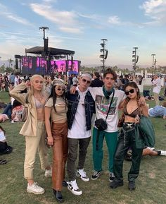 Babys in Coachella❤ ____________________________ Me siga💕 Need Friends, Friends Forever, Best Friend Pictures, Friend Photos, Squad Photos, My Photos, Love Now, My Love, Selfies