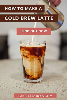 How to Make Cold Brew Coffee. This coffee drinks works wonderfully. It's smooth and rich yet with less acidity and bitterness than the standard hot water brewed coffee. Cold Brew Coffee Recipe, Making Cold Brew Coffee, How To Make Coffee, Iced Coffee At Home, Coffee Today, Coffee Drinks, Espresso Recipes, Coffee Recipes, Coffee Club