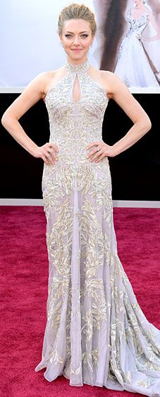 Amanda Seyfried stuns at the 2013 Oscars