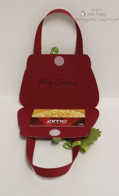 Gift card purses. Cute idea - would be easy to create in the Cricut Design Space, then score and cut and done!
