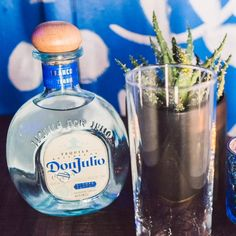A simple drink with an anything but simple flavor. Don Julio Blanco with grapefruit soda is the perfect combination of tart, smooth, and fresh. Tequila Sunrise, Nacho Salat, Tequila Mixed Drinks, Nutrition Drinks, Oatmeal Nutrition, Starbucks Nutrition, Banana Nutrition, Nutrition Jobs, Drink Recipes