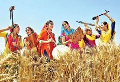 Baisakhi is one of the major festivals of Sikhs and they celebrate it with full energy and cheer in the Punjab. Baisakhi Festival, Festival Dates, Punjab Festivals, Indian Festivals, About Me Poster, Happy Baisakhi, Spiritual Pictures, Art Village, Celebration Day