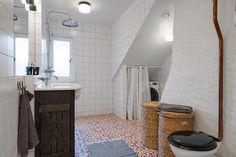 Cementowe kafle w łazience
