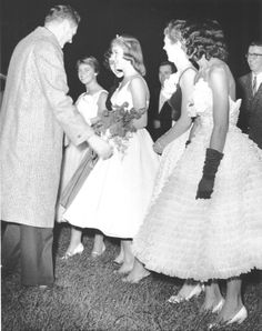 Grand Rapids Junior College homecoming during the Vintage Prom, Vintage Love, Retro Vintage, High School Homecoming, Homecoming Queen, Junior College, Prom Queens, Fashion Photo, 1950s