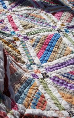 It's time again for Amy's Bloggers' Quilt Festival...and here's my submission...  I had a great time making this string quilt.  Never made o...