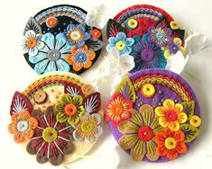 Found these exquisite felt brooches by British designer Jane Smallcombe . Jane loves all crafts and has been able to knit and crochet since. Felt Embroidery, Felt Applique, Embroidery Hearts, Applique Quilts, Fabric Gifts, Felt Fabric, Felt Wall Hanging, Felted Wool Crafts, Fabric Postcards